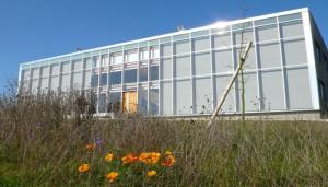 Menerpôle, une pépinière d'entreprises spécialisées dans l'énergie, hébergée dans un bâtiment basse consommation © Yannick Régnier (CLER)