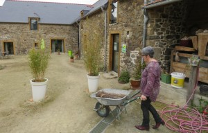 648x415_annie-martin-poursuit-activite-agricultrice-plus-chambres-hotes