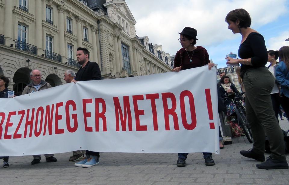 Rennes : une action pour réclamer plus de breton dans le métro