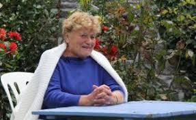 Angèle Jacq conte sa jeunesse en breton face caméra