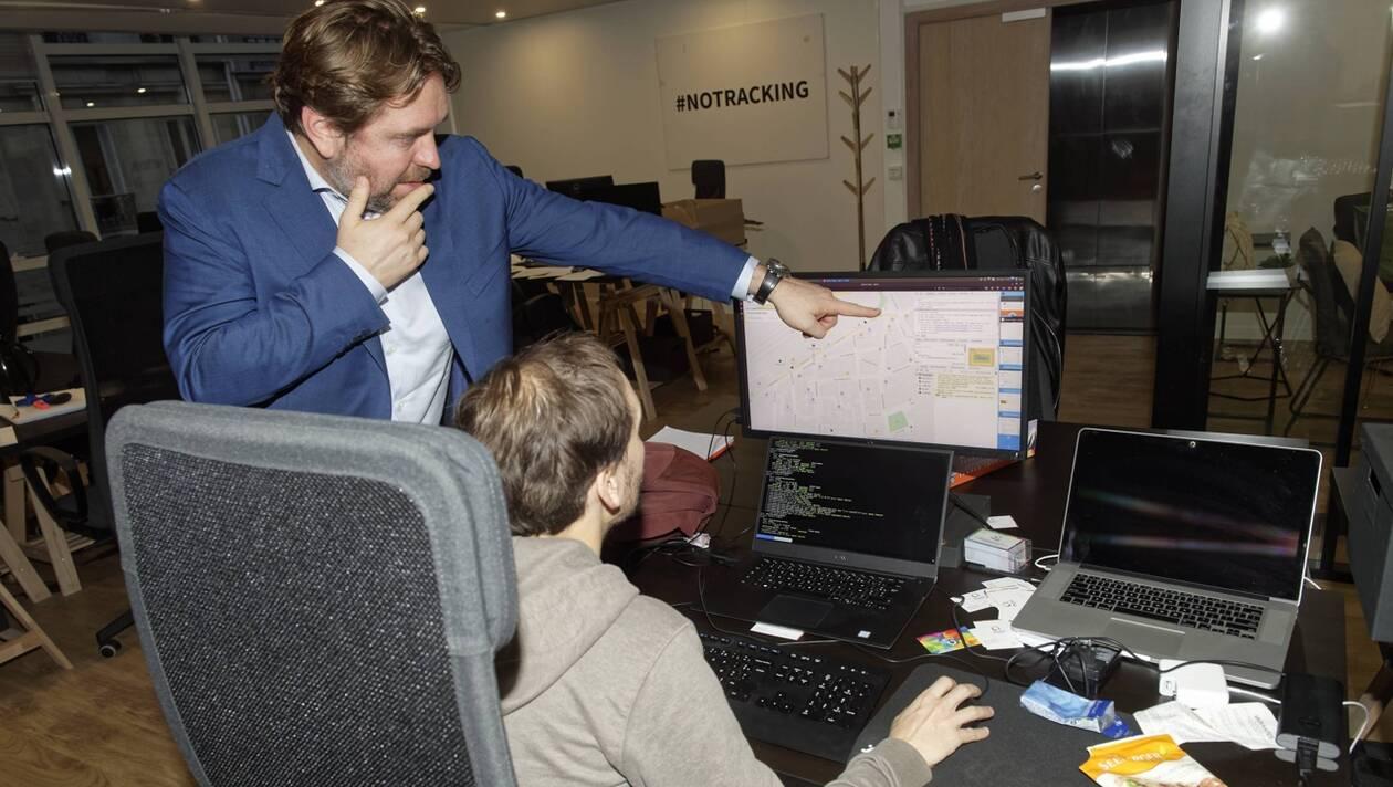 Quatre collectivités bretonnes lâchent Google pour Qwant