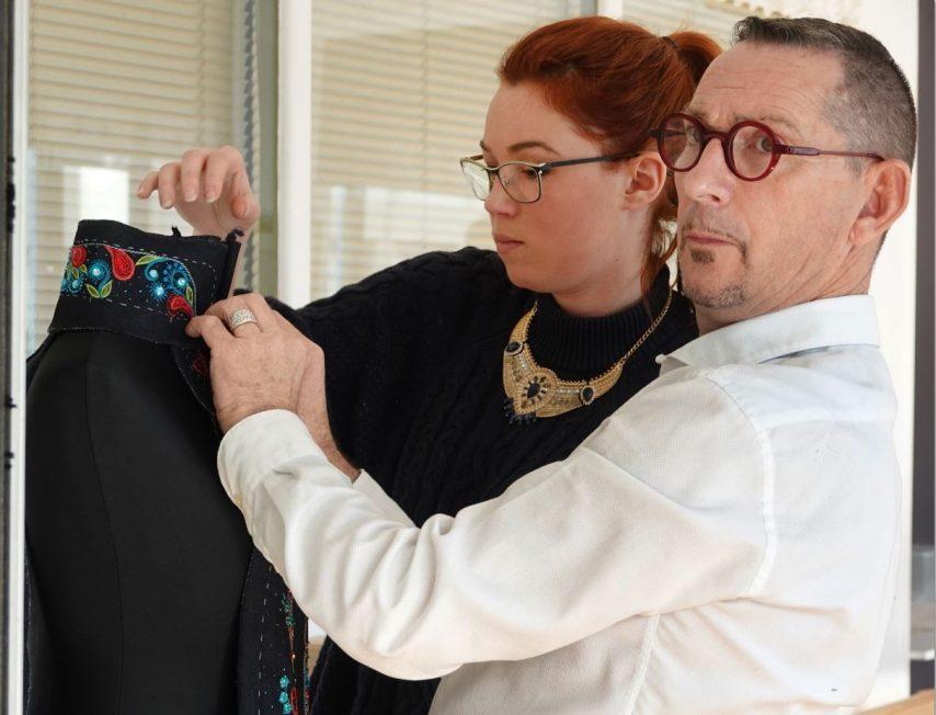 Pascal Jaouen : le styliste brodeur breton ouvre son école à Pontivy