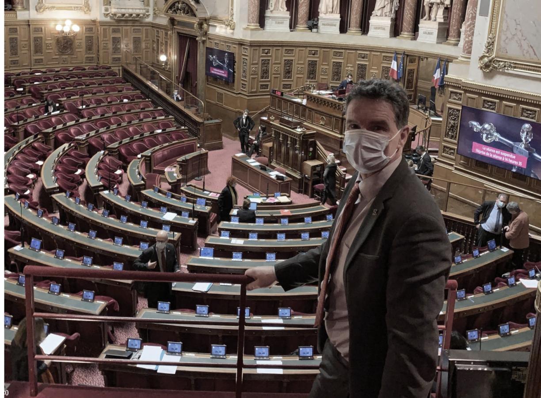 La loi sur les langues régionales adoptée au Sénat : une victoire pour Fañch et les locuteurs de breton