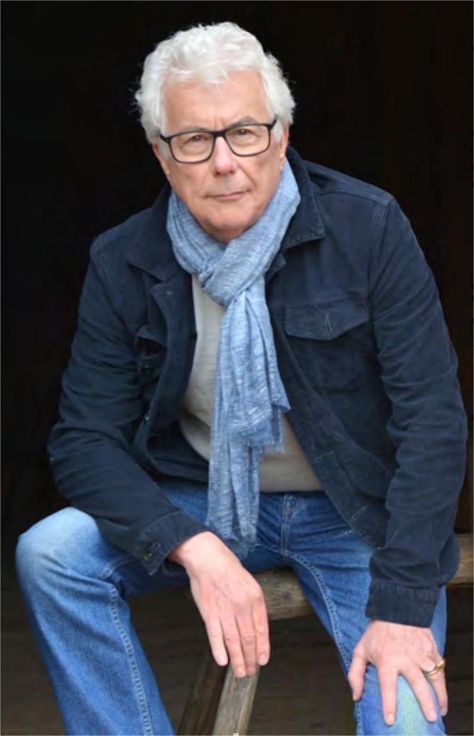 L'écrivain Ken Follett cède les droits d'auteur de son livre « Notre-Dame » pour rénover une cathédrale bretonne